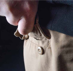 """Some of the more basic models you'll encounter are mostly true re-creations of U.S. Military BDU trousers. While some prefer such an arrangement, plenty of others get tired of unbuttoning and re-buttoning their back pockets. As in every other aspect of your EDC pants, know exactly what you're getting before clicking """"buy now."""""""