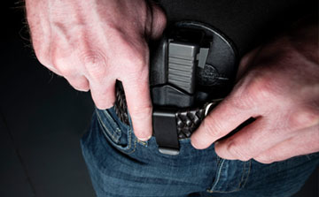 Man carry concealed appendix style